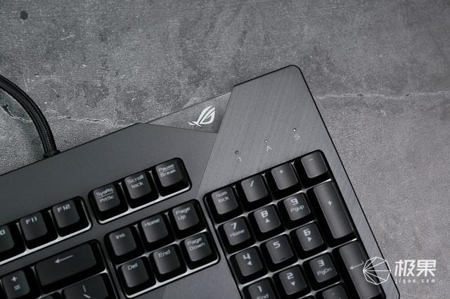 信仰附体战场无敌,属于指尖的炫彩旗舰——ROGSTRIXFLARE耀光机械键盘