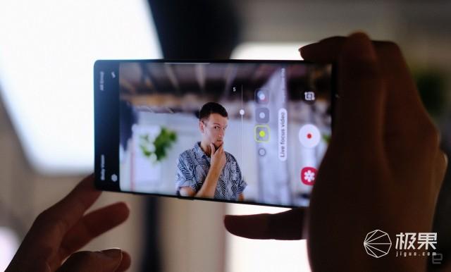 「新东西」三星Note10年度机皇发布!配置真的狠,但这一款屏幕有坑……