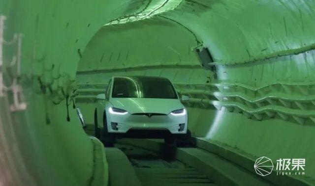 特斯拉16万新车「ModelQ」曝光!?两厢掀背造型,没有方向盘和踏板…