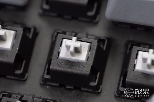 杜伽原厂银轴体验:真干练,PBT键帽,全局驱动支持!