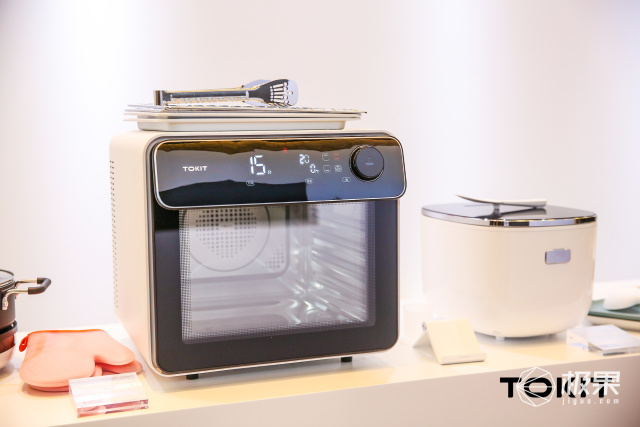斩获德国设计大奖,内外兼修的智能电烤箱竟成厨电界新网红?