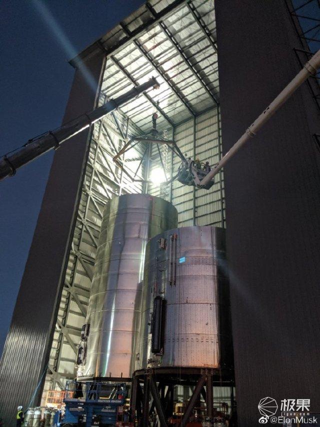 SpaceX发布《星际飞船用户指南》,马斯克要将100人送上太空!