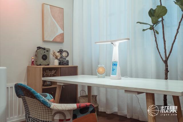 一盏灯的黑科技:它像10点太阳的一束光,照亮孩子成长之路