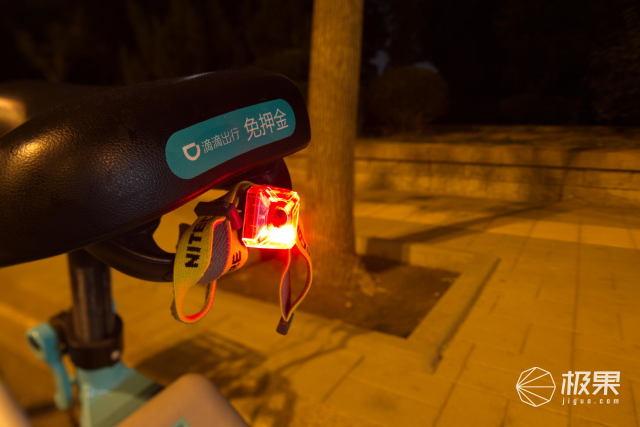 简单易用辨识度高NITECORE信号灯NU05LE