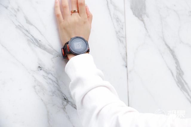 众多的运动智能手表,咕咚X3的优势有什么?颜值算一点