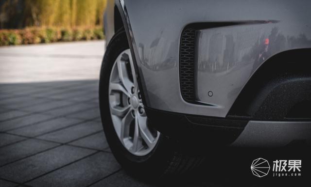 70万的豪华SUV怎么选?7年途锐车主点评20款路虎发现5