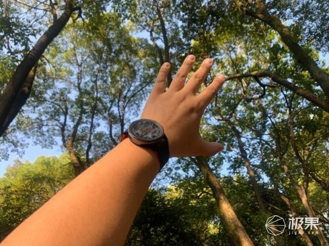 applewatch贵上天?这块手表一样提升逼格!