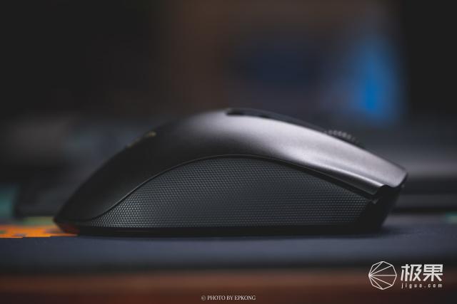 雷蛇无线三件套,旗舰级元件配置,电脑桌面从此丢掉杂乱