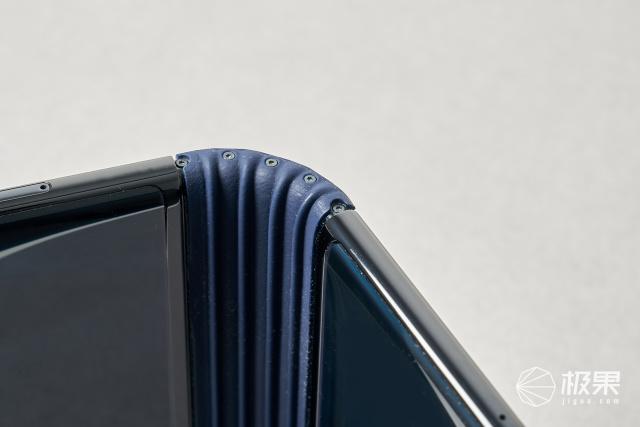 柔性屏手机能成为街机吗?从FlexPai柔派来看端倪