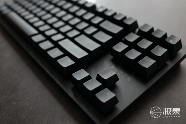 生为竞技,死为荣耀|雷蛇猎魂光蛛竞技版键盘体验