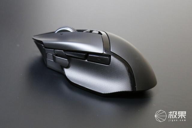 鼠标引擎新次元:雷蛇巴塞利斯蛇终极版开箱