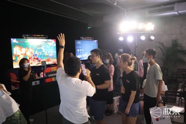 海信电视游戏嗨玩趴,更大、更快、更过瘾!