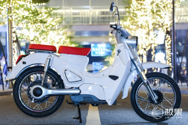 森蓝新能源摩托车