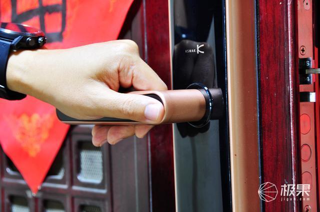 放心出門,看家交給它就夠了,金指碼SK1指紋鎖體驗