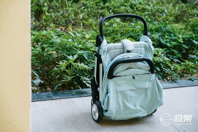 QBORN秒秒收婴儿推车上线,成为宝宝座驾的更好选择