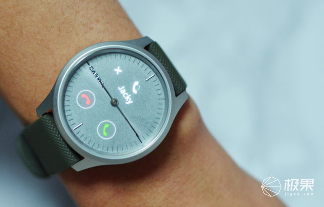 机械数码合二为一:GarminMoveStyle智能腕表