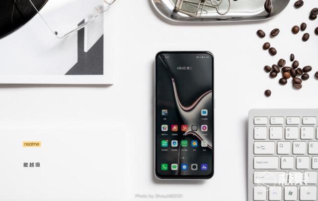 realmeGTNeo:让两千元价位的手机对抗,更激烈