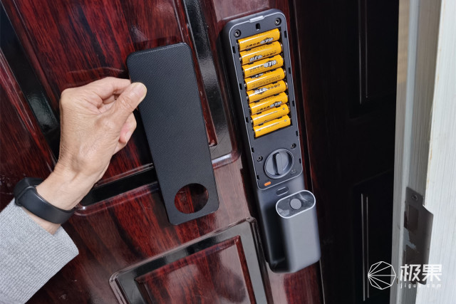 鹿客LOOCKSV40指静脉智能锁便捷安全同样重要
