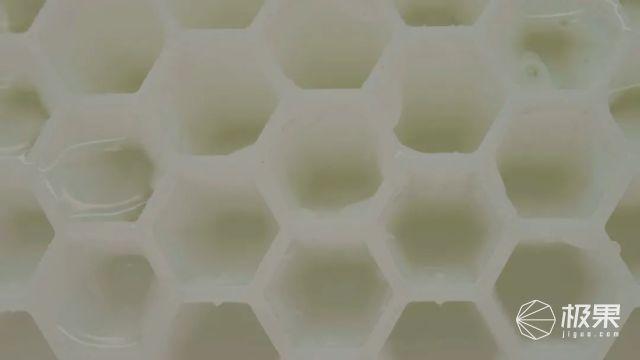 一触即破的气泡竟然如此高能,一举解决分手危机,用完真香!(附视频)