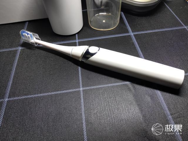 电动牙刷如何进行选购,文内含有FeeloveF1使用体验