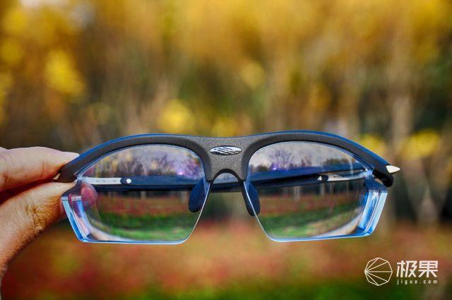 RYDON异型定制近视眼镜,让赛道色彩更明晰