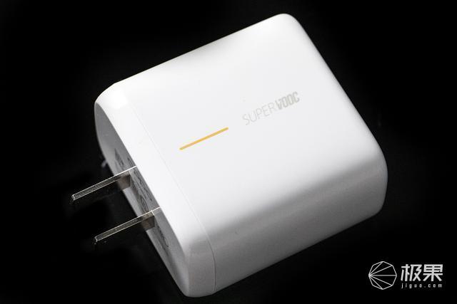 全球最快閃充OPPORenoAce實測:充電5分鐘真能開黑2小時嗎?
