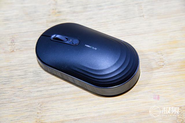 """不止便携?首款""""变形""""鼠标发布背后:PC配件也要面向未来"""
