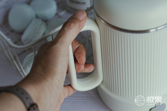 一机多能的小巧蒸煮养生杯——七彩叮当迷你养生壶,厨艺小白再也