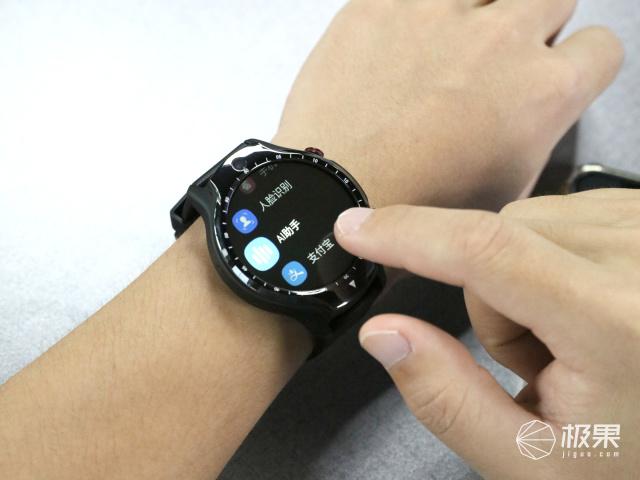 """堪稱""""腕上手機""""!有了這款智能手表,以后可以告別智能手機了"""