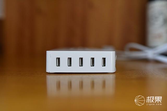 一排喂饱你的电控装备--ORICO新国标商企办公总控智能排插