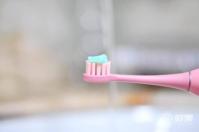 舞动于齿间的实力派,同同家T9W声波电动牙刷体验