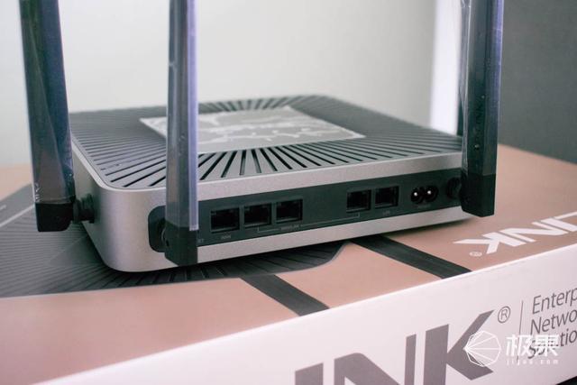 为何小企业要用企业级无线路由器?一次对比选购经历证实