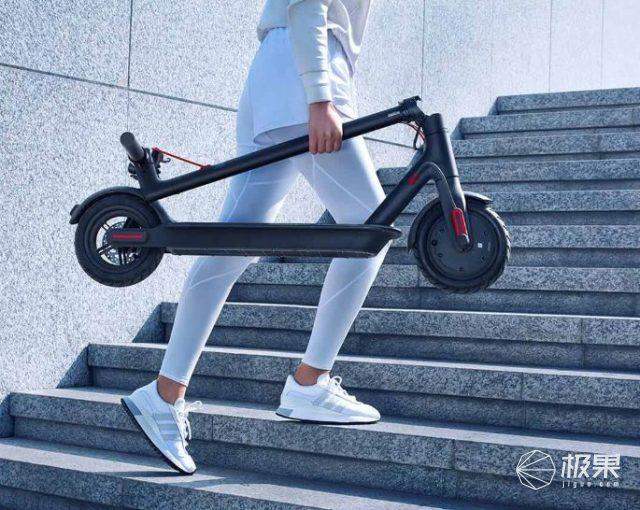 时隔4年,小米发布全新米家电动滑板车1S,售价1999元