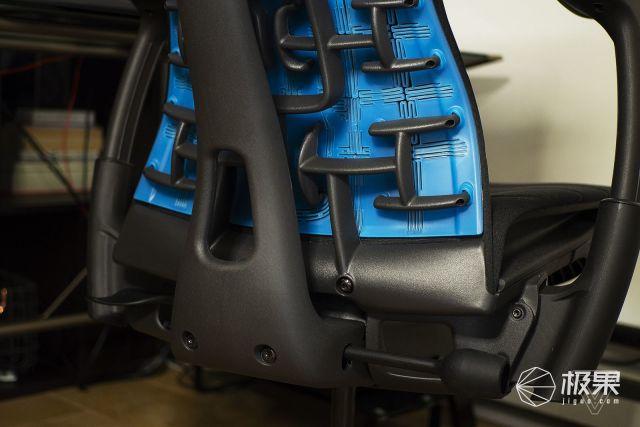 罗技与HERMANMILLER合作打造EMBODY电竞椅,售价10462元