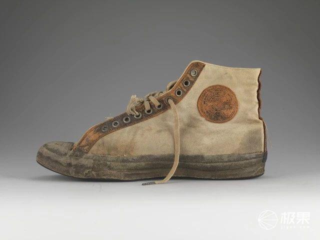 「皮囊」匡威百年开胶史:一双老布鞋,吸金全世界