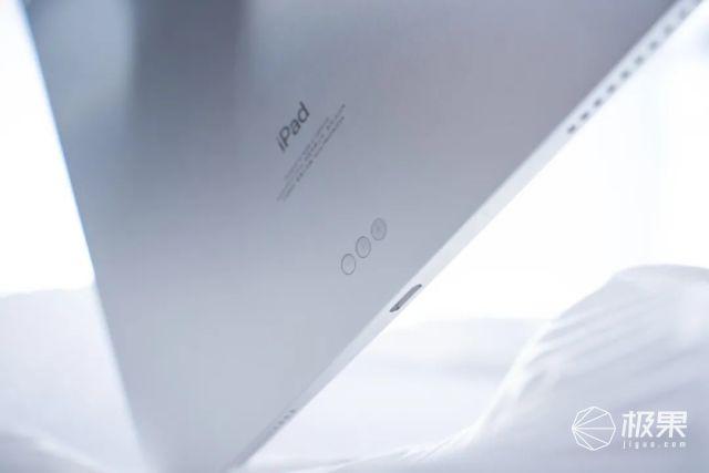 苹果新iPadPro深度体验!性能炸裂能玩「PS5大作」,下周或有更大惊喜…