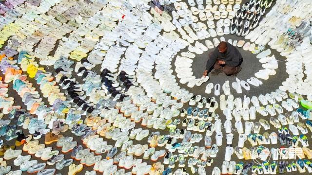 深挖侃爷2.4亿吸金帝国!这个全世界最大的炒鞋头子,是怎么火起来的?
